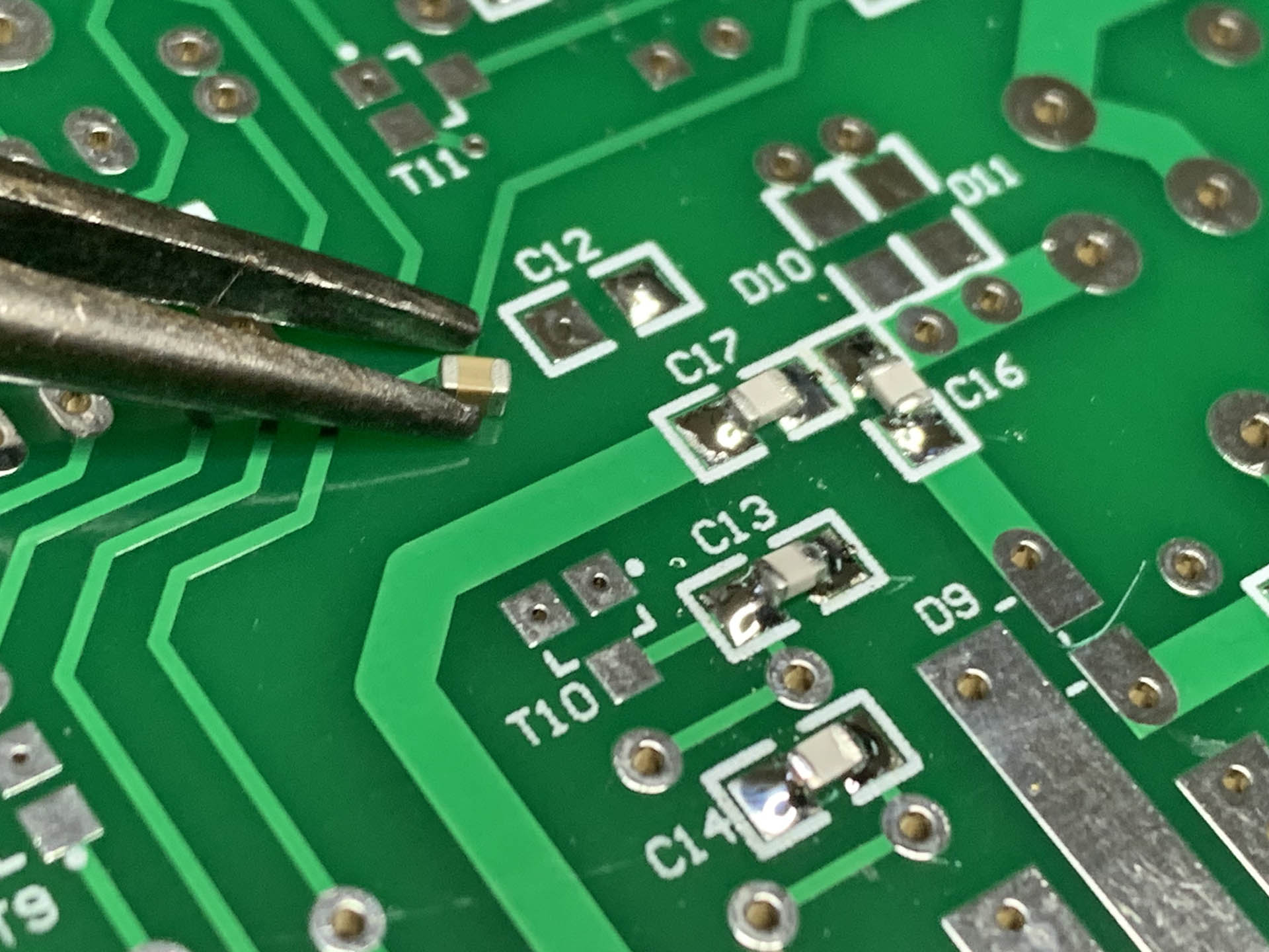 The small SMD components on the Minikits EME166 sequencer